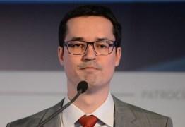 Deltan rejeitou receber prêmio ao lado de Bolsonaro e 'radicais de direita'