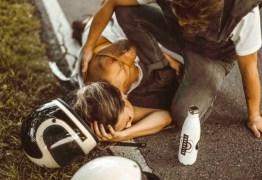 A influencer do Instagram acusada de forjar acidente de moto para postar fotos