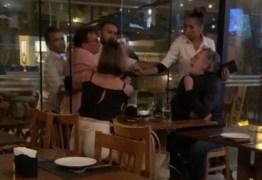 Ator da Globo protagoniza barraco com casal em restaurante – VEJA VÍDEO