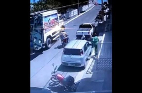 Câmera de segurança flagra acidente impressionante na cidade de Currais Novos