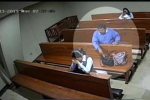 47256mn 300x200 - Homem comete furto dentro da igreja e sai fazendo 'sinal da cruz'; VEJA VÍDEO