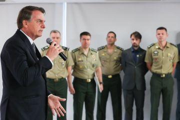 48606898246 802c62aa40 o - Bolsonaro alerta para guerra da informação