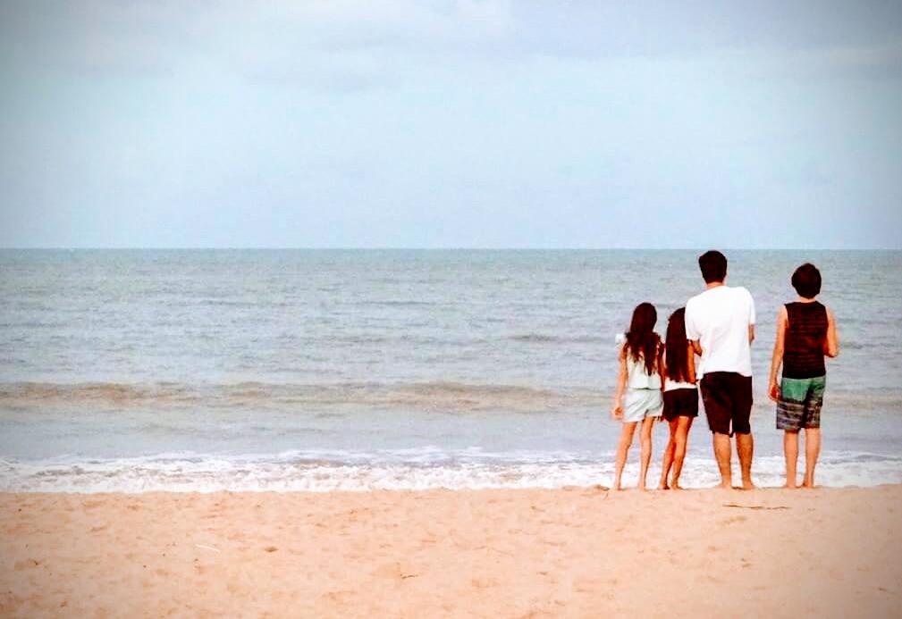 9e96e23f ea72 46ed af95 11fab306e45f - PAI AO CUBO: No dia dos pais conheça a rotina de um pai que cuida sozinho de três filhos em João Pessoa