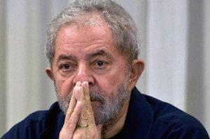 EBZNR uWwAE 2PI 300x198 - REVIRAVOLTA: STF decide suspender transferência de Lula e manter ex-presidente preso em Curitiba