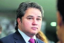 Efraim Filho destaca avanços do governo Bolsonaro