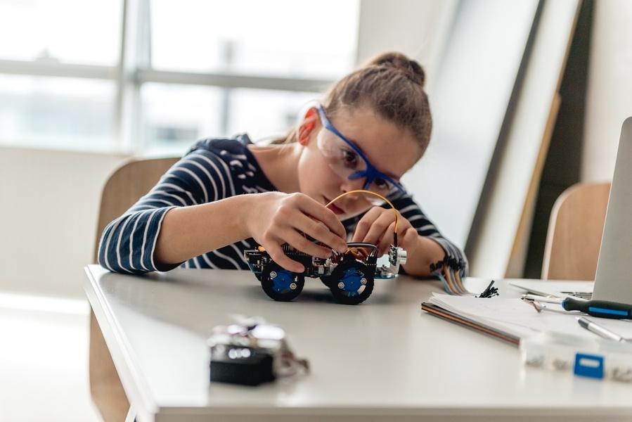 FOTO 2 - Conheça os benefícios da Educação Maker