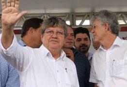 Variações da crise: Ricardo fica com o partido, João com o governo? – Por Nonato Guedes