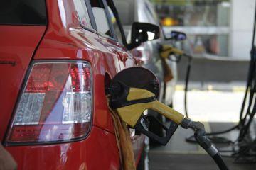 Procon-JP autua 102 postos de combustíveis por não reduzir preços nas bombas