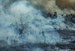 TRÊS DIAS APÓS PUBLICAÇÃO: Bolsonaro altera decreto e libera queimadas fora da Amazônia