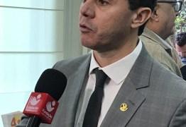 Ao lado de Ricardo Coutinho, Veneziano debate temas nacionais na Fundação João Mangabeira