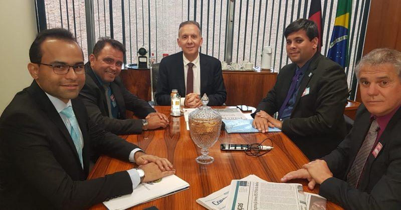 Em Brasília: Aguinaldo recebe prefeito e garante parcerias para Sertão