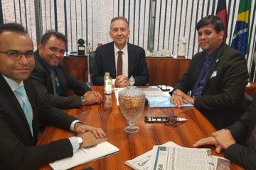WhatsApp Image 2019 08 23 at 16.46.17 800x419 - Em Brasília: Aguinaldo recebe prefeito e garante parcerias para Sertão