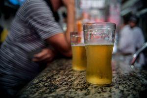 cerveja 1 300x200 - Levantamento alerta para consumo de álcool no país