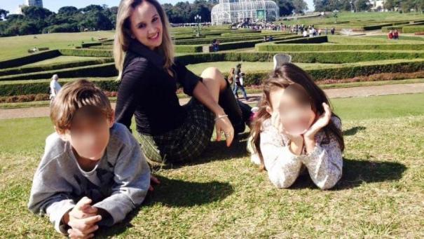denise beckmann e os filhos 1565902771337 v2 900x506 300x169 - Mãe afirma que filho tem doença, após ter matado própria irmã