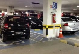Galdino promulga lei que dispensa pagamento de estacionamento em shoppings em João Pessoa