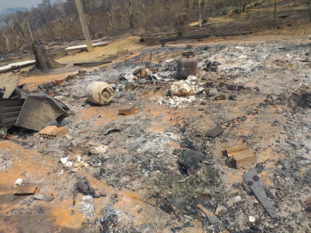 Casal morre abraçado ao tentar fugir de queimada em Rondônia – IMAGENS FORTES