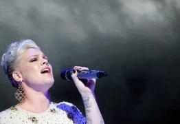 EXPLOSÃO: avião da cantora Pink fica em chamas após acidente