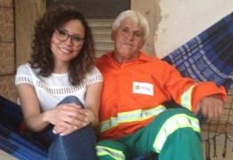 MÉDICA E FILHA DE GARI: Jovem conta que primeiro salário usou para ajudar o pai: 'Comprei uma rede e coloquei portão em casa'