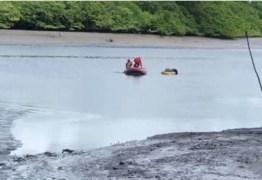 MÃOS AMARRADAS DENTRO DO RIO: Corpo de homem é encontrado e Bombeiros são deslocados para resgate – VEJA VÍDEO