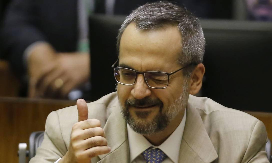 xabraham weintraub ministro educacao.jpg.pagespeed.ic .z9tiLBz8gL - Piadas de Weintraub contra ganhadores da Mega-Sena serão alvo de processo do PT
