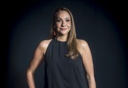 Apresentadora da Globo chama presidente de 'Bozonaro' e se explica: 'um erro' – VEJA VÍDEO
