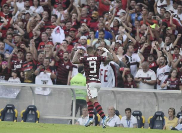 50 Etf2SU6 300x219 - Flamengo fecha fim de semana com aproveitamento de 73,7% da campanha em primeiro turno