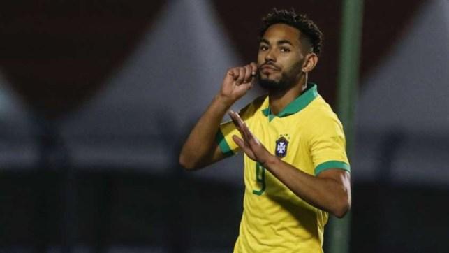 AAH326b 300x169 - Matheus Cunha se destaca e Seleção sub-23 vence Chile em amistoso