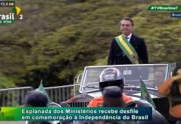 Bolsonaro quebra protocolos em primeiro desfile de 7 de setembro como presidente; VEJA VÍDEO
