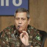 Braga Neto - General Braga Netto diz que 'homens armados de fuzil não podem ser vistos como uma situação normal'