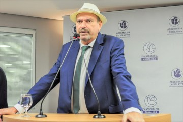 PL de Jeová Campos estadualiza estradavicinal no município de São João do Rio do Peixe