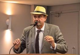 GRATA SURPRESA: Jeová Campo parabeniza João Azevedo pelo repasse de recursos para o Hospital Napoleão Laureano