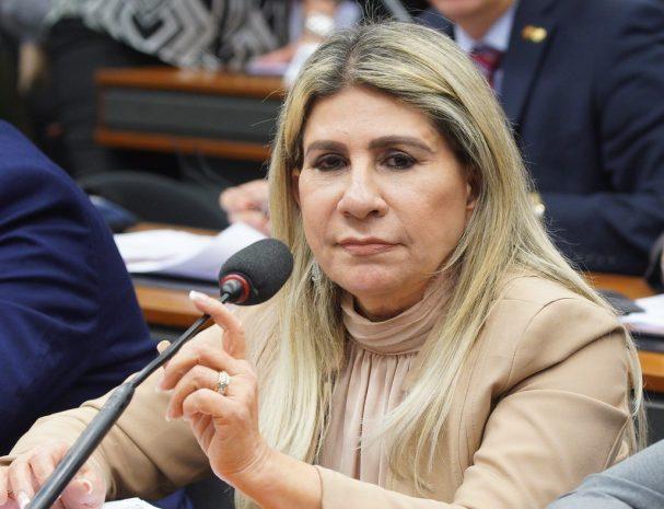 EDNA HENRIQUE PARAIBA 1 607x465 - Proposta da deputada Edna Henrique autoriza acúmulo de cargos na saúde por agentes comunitários