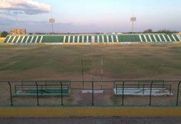 Torcedores do Sousa usam redes sociais para expor situação do gramado do Marizão