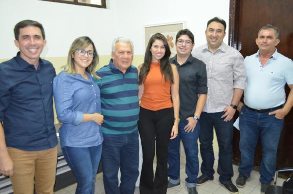 Img0 600x400 - Zé Aldemir se reúne com equipe da Energisa e garante iluminação de Led em várias avenidas de Cajazeiras