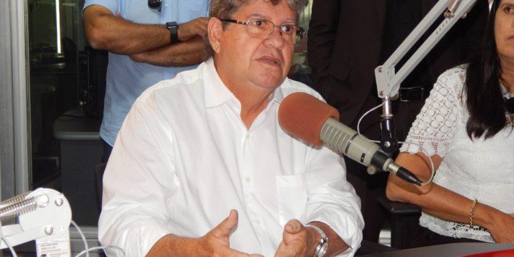 JOAO2 750x375 - 'Estamos buscando a excelência' diz João Azevêdo sobre investimentos no programa Paraíba Unida Pela Paz