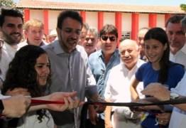 Azevêdo recebe adesão e aposta em novos apoios ao seu governo