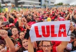 """Ordem de Curitiba: novo refrão passa a ser """"Lula Livre 100%"""""""