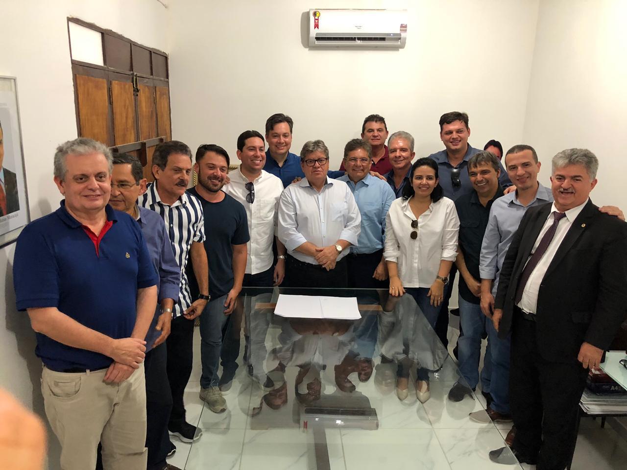 WhatsApp Image 2019 09 13 at 14.22.59 - 'A GOVERNABILIDADE ESTÁ GARANTIDA':  G11 se reúne com João Azevedo e expressa apoio ao governador em meio à crise no PSB