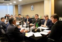 Em reunião com João Azevêdo e deputados, ministro Canuto garante conclusão de eixo leste e descarta racionamento em CG; VEJA VÍDEO