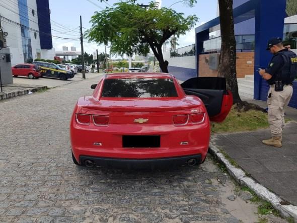 WhatsApp Image 2019 09 19 at 16.23.04 - OSTENTAÇÃO E CLONAGEM: PRF e PM realizam ação conjunta e recuperam Camaro 'placa fria' e mais dois carros - VEJA VÍDEO