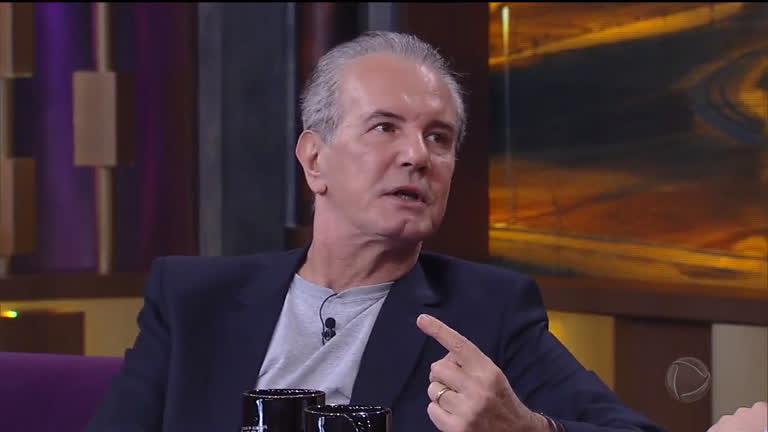 'EMPRESTEI MEU TALENTO': Ex-apresentador revela não ter sido chamado para comemoração do Jornal Nacional