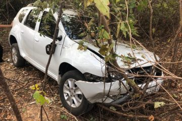 Prefeito e primeira-dama sofrem acidente no Sertão do estado
