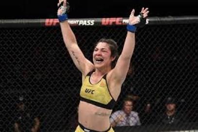 download 5 - UFC: Bethe Correia tem boa atuação, derrota Eubanks e volta a vencer no Ultimate
