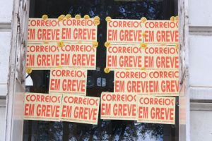 greve dos correios 11 walla santos 300x200 - Trabalhadores dos Correios fazem greve a partir desta quarta-feira