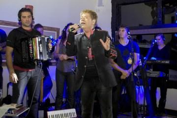imagem release 1467158 - Morre em SP o cantor Roberto Leal, aos 67 anos