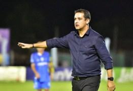 Chapecoense acerta detalhes e encaminha a contratação do técnico Marquinhos Santos