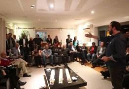 Evento político reúne 16 partidos em oposição a Bolsonaro