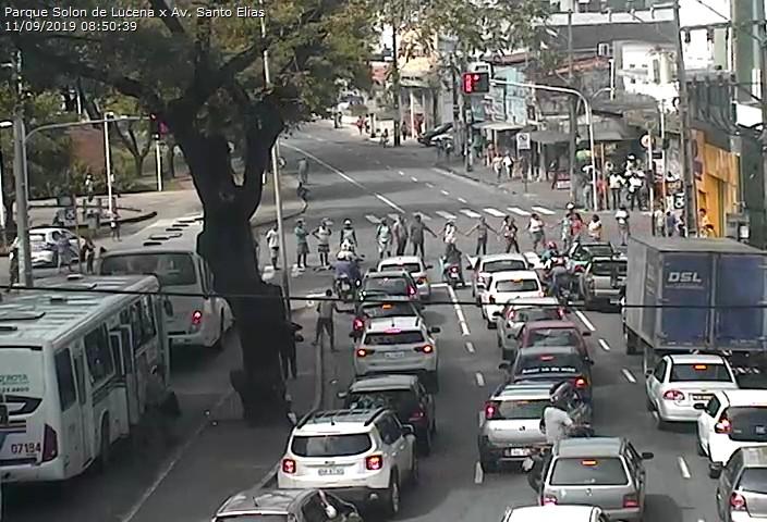 protesto   ambulantes   jp   11 09 2 - Grupo de ambulantes protesta contra ação da Sedurb e bloqueiam trânsito no Centro de JP