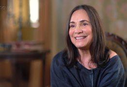 Veterana nas telinhas, Regina Duarte fala sobre usar ponto eletrônico nas novelas: 'Não sou a única'