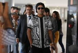 Com passaporte retido, Ronaldinho Gaúcho muda de ramo de atuação e é nomeado Embaixador do Turismo do Brasil